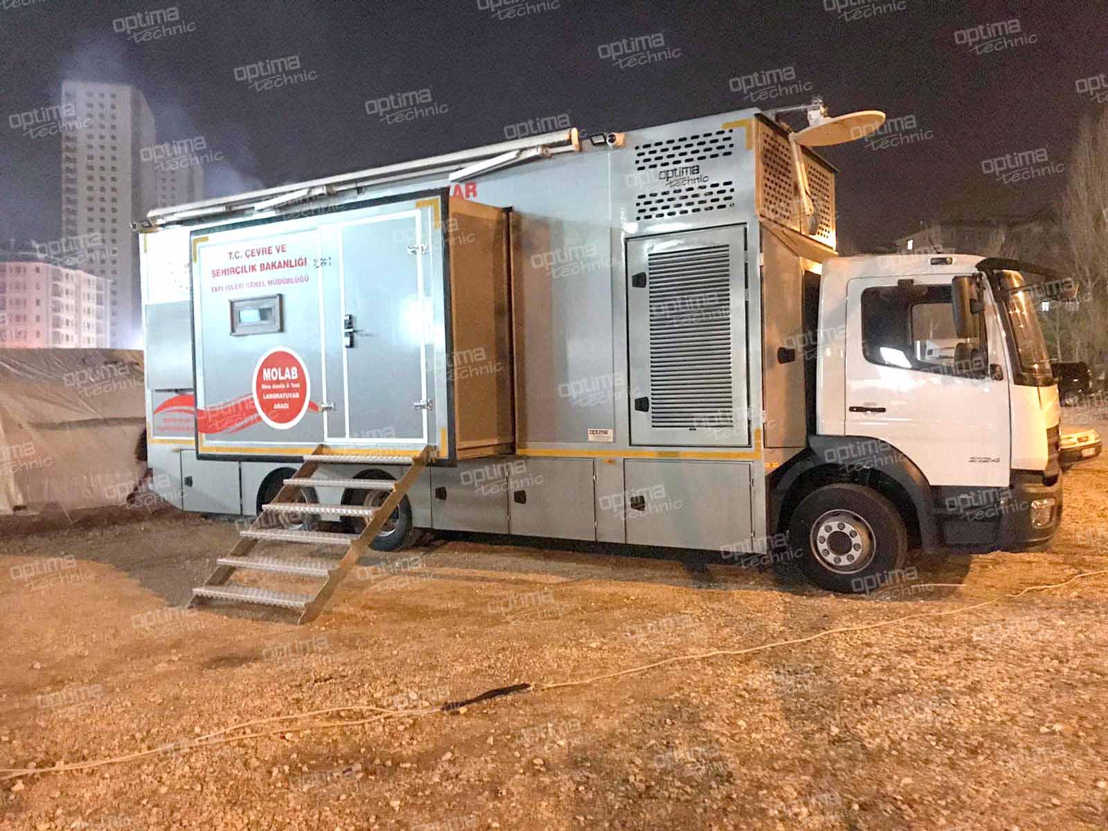 Mobile Laboratory (Earthquake Analysis)